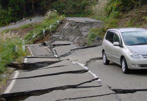 earthquake-road